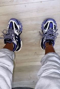 Best Sneakers, Sneakers Fashion, Fashion Shoes, Shoes Sneakers, Sock Shoes, Cute Shoes, Me Too Shoes, Tenis Vans, Fresh Shoes