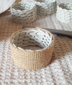 Why you should wrap a napkin ring with burlap before spring arrives