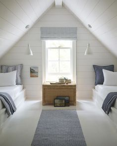 45 Comfy Attic Bedroom Decoration Design Ideas ✓ - Page 18 of 49 - Best Home Decor Bedroom Loft, Bedroom Storage, Modern Bedroom, Master Bedroom, Contemporary Bedroom, Contemporary Apartment, Bedroom Neutral, Attic Storage, Bedroom Small