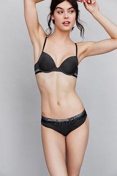 9fecabfd19efe Calvin Klein Magnetic Force Bikini Shave Armpits