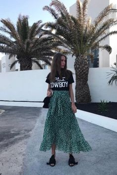 Fashion Street Style Chic Summer Outfits 18 Ideas For 2019 Street Style Outfits, Look Street Style, Street Style Summer, Rock Style, Street Styles, Look Fashion, Skirt Fashion, Fashion Outfits, Fashion Trends