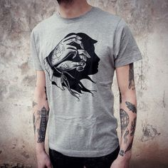 men's T-SHIRT with Hand Shadow - Woman Face print. Screenprinting of a handmade design, vintage tattoo style drawing. Melange grey