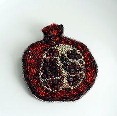 "Helen Kolomoets. Brooch ""Pomegranate."" Beads, natural pomegranate. Beadwork. Елена Коломоец. Брошь ""Гранат"". Бисер, натуральный гранат. Вышивка бисером."