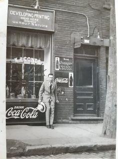 Fosse Commune, Rue, Coca Cola, Interior And Exterior, Interiors, Historical Pictures, Coke, Decoration Home, Decor