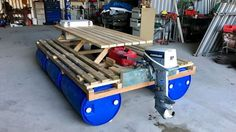 This picnic table boat was built by the crew from Dunno Engineering. Photo: @DunnoEngineering