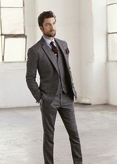 classic 3piece suit. Don't see this much anymore. Only on madmen lol looks so spiffy