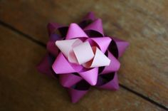 diy ombre paper bows. so pretty! // seakettle blog.