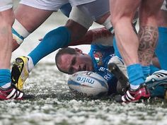 Rugby Six Nations. Icy battle: England versus Italy in Rome