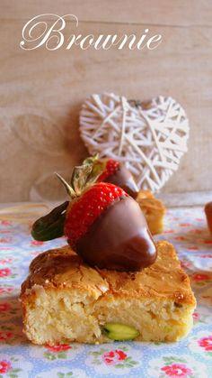 Brownie de chocolate blanco y pistachos.