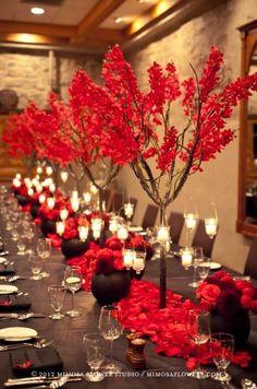 Nicht in Rot, aber die Idee mit den Kerzen finden ich gut