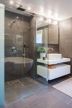 #styling #homestyling #bathroom #badrum Vindsvåning med fri utsikt | Move2