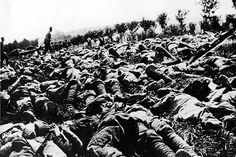 Thousands of dead Italian soldiers, victims of a gas and flame attack