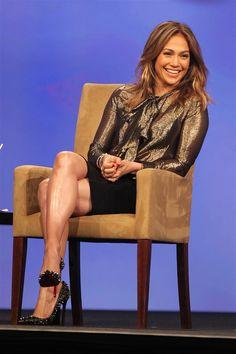 jennifer-lopez-legs-crossed-high-heels (1)