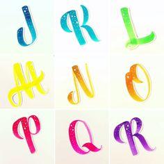 Alpha Bet, Stylish Words, Brush Lettering, Bujo, Rocks, Room Ideas, Doodles, Printables, Letters