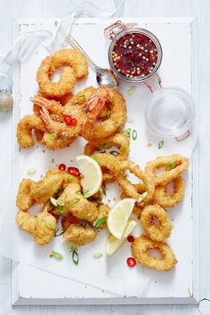Serve up a feast from the sea this summer - we guarantee your guests will adore these crispy catches. Make Ahead Appetizers, Easy Appetizer Recipes, Entree Recipes, Appetizers For Party, Seafood Recipes, Christmas Roast, Weekly Recipes, Seafood Platter, Luxury Food