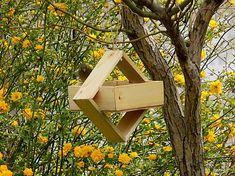 Vtáčie kŕmidlo / byZniev - SAShE.sk Wooden Bird Feeders, Ale, Outdoor Decor, Design, Home Decor, Decoration Home, Room Decor, Ale Beer