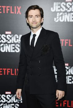 David Tennant On Doctor Who Fans On This Week's Marvel Podcast - What a gorgeous suit he's wearing!