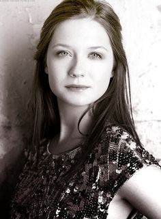 actress and director, Bonnie Wright is very talented for her age. another gorgeous redhead i would love to be with!