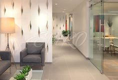 LILY Плавные объёмные линии, образующие  лёгкий, незаурядный рисунок на стене, который воплощает стиль интерьера в минимализме. Когда не хочется суеты, лишних деталей в элементах интерьера, а в комнату напрашивается привлекательный и лаконичный акцент, то стеновая 3D перегородка «LILY» - Вам в помощь. Она добавит стенам плавного объёма и не будет пестрить перепадами рельефа, даже при взгляде с отдаленного расстояния.