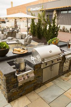 This spring, add a luxurious outdoor kitchen to your backyard, and enjoy all that mother nature has to offer. This spring, add a luxurious outdoor kitchen to your backyard, and enjoy all that mother nature has to offer. Outdoor Kitchen Patio, Outdoor Kitchen Design, Patio Design, Backyard Designs, Outdoor Grill Area, Outdoor Cooking Area, Outdoor Kitchen Countertops, Small Outdoor Kitchens, Outdoor Grill Station