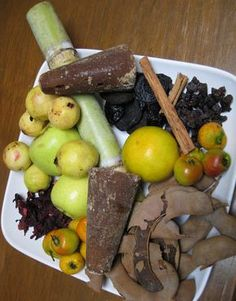 Flavors of the Sun: Ponche Navideño: Mexican Christmas Punch. Had this in Mexico city during the holiday's, fantastic. Mexican Drinks, Mexican Dishes, Mexican Cooking, Mexican Food Recipes, Mexican Desserts, Yummy Recipes, Ponche Recipe, Ponche Navideno, Christmas Punch