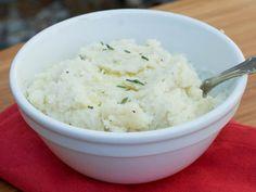 Garlic-Parmesan Cauliflower Mash - 3 Weight Watcher Points Plus #weight Watchers #recipes #healthy recipes