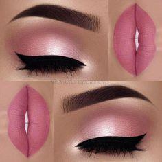 Makeup Idea In A Pink Color With Black Eyeliner A pink color is . - make up - Maquillaje Makeup Goals, Makeup Inspo, Makeup Inspiration, Makeup Tips, Makeup Ideas, Makeup Geek, Makeup Products, Makeup Tutorials, Eyebrow Products
