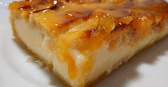 Fabulosa receta para Tarta fácil de manzana. Deliciosa y muy fácil de hacer. El toque de la crema hace que sea muy agradable y cremosa al paladar.