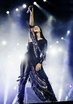 Amy Lee of Evanescence by Javier Bragado Rainha Do Rock, Snow White Queen, My Immortal, Amy Lee Evanescence, Women Of Rock, Metal Girl, Celebs, Celebrities, American Singers