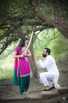 """Slice of Life Pictures """"Pre wedding Himani & Love - Delhi"""" Love Story Shot - Bride and Groom in a Nice Outfits. Cute Couple Poses, Couple Photoshoot Poses, Couple Posing, Cute Couples, Pre Wedding Poses, Pre Wedding Photoshoot, Wedding Shoot, Wedding Couples, Love Couple Photo"""