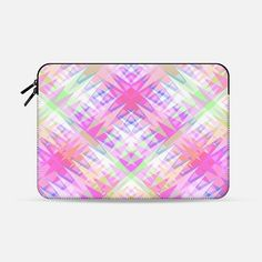 "Triangle Party 7 Macbook Pro 13"" sleeve by Miranda Mol 
