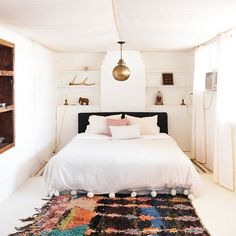 House Tour: A Rustic, Modern Hacienda in Joshua Tree (Click link above in our profile to take the tour on Apartment Therapy!) Photo by @ellie.lillstrom