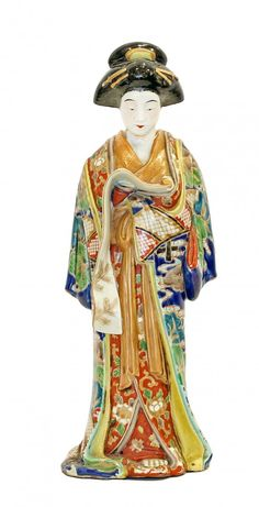 JAPANESE KUTANI PORCELAIN FIGURE OF A BEAUTY, 19TH C