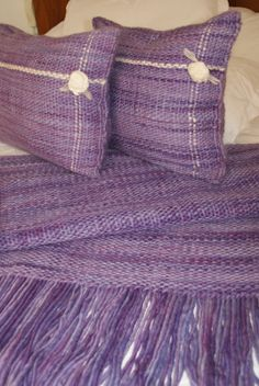 MANTAS Loom Weaving, Hand Weaving, Types Of Weaving, Textiles, Sewing Pillows, Purple Reign, Tear, Weaving Patterns, Fancy