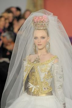The Modern Princess ♕ :: The Princess Bride - Christian Lacroix Haute Couture Spring/Summer 2009
