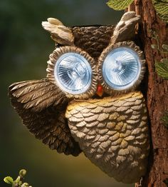 Owl Solar Spotlight Outdoor Tree Decoration *this is awesome,  I'd like it as a motion detector!*