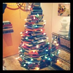 Would be so cute to do a mini tree in a child's bedroom.