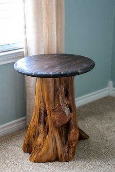 How to create a side table from a cedar stump :: cedar stump :: log table :: DIY…