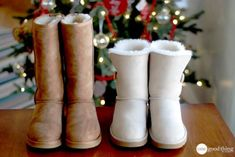 I needed to clean my UGG boots so I decided to do a post about it! But then Kaitlyn just happened to get a pair of UGGs for Christmas and wanted to find out how she could keep them looking new. So she decided … Ugg Snow Boots, Ugg Boots Sale, Winter Boots, Fur Boots, Shoe Boots, Ugg Boots Outfit, Ugg Shoes, Suede Shoes, Teen Fashion