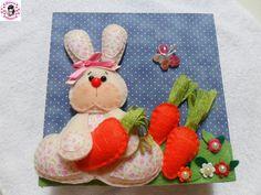 caixa decorada com tecido e aplicação de coelho de feltro