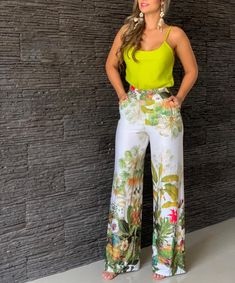 I like this outfit, leo and orange Classy Outfits, Chic Outfits, Beautiful Outfits, Summer Outfits, Fashion Pants, Look Fashion, Fashion Dresses, Womens Fashion, Casual Chic
