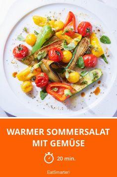 Diesen warmen Sommersalat mit Gemüse musst du unbedingt ausprobieren!