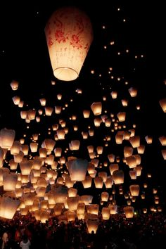 The Sky Lantern Festival in Taiwan: experience magic when thousands of glowing lights float up into the ink black sky above the small hillside village of Shifen in northern Floating Lanterns, Sky Lanterns, Floating Lantern Festival, Night Photography, Art Photography, Photography Backgrounds, London Photography, Iphone Photography, Mobile Photography