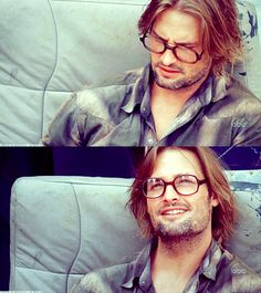 """Josh Holloway: """"I remember we all went to a bar, the cast after the ratings came out from the pilot and we celebrated that night. That was really the first time I believed… i could throw away my boxes and stick around."""""""