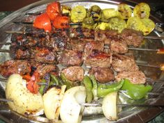 Greek Souvlaki & Grilled Vegetables - *Suitable for Induction* - net carbs/serving - Serve with a Middle Eastern cucumber, sour cream, mint salad. (Beef or Lamb ) Atkins Recipes, Greek Recipes, Pork Recipes, Paleo Recipes, Low Carb Recipes, Real Food Recipes, Recipies, Yummy Recipes, Dinner Recipes