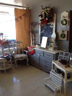Entire booth is 10% off to kick off our grand opening at new antique mall at Southern Traditions across from Southside Conoco. Come check it out!