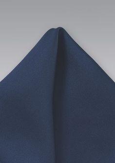 b4a68868c938 Einstecktuch marineblau in Seide - Passend zur Herrenkrawatte das farblich abgestimmte  Einstecktuch in navy. 25 x 25 cm, quadratisch.