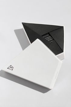 Ontic on Packaging of the World - Creative Package Design Gallery #giftpackaging