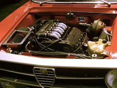 Modern Alfa nicely squeezed into a lovely 105 coupe. Auto Italia, Brooklands, a few years back. Alfa Gta, Alfa Romeo Gta, Alfa Romeo Giulia, Engine Swap, Cars And Motorcycles, Classic Cars, Engineering, Wheels, Garage