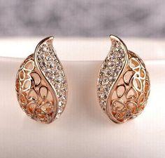 Fashion Women Lover Hollow Leaf Gold Plated Rhinestone Earrings Jewelry E121 10g